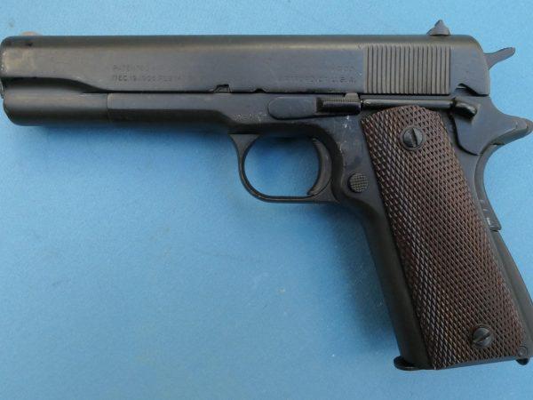 Colt 45 Semiauto 2